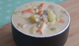 Soupe de poulet crémeuse