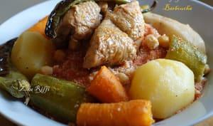 Barboucha hamra aux tomates fraîches et poulet pour un sdf