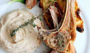 Côtelettes d'agneau grillées au thym, purée d'haricots tarbais