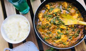 Curry de haddock fumé aux épinards et au maïs