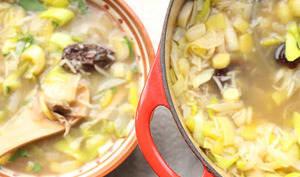 Soupe écossaise aux poireaux et aux restes de poulet rôti