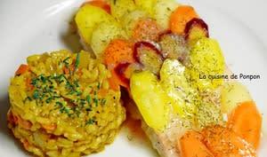 Saumon en papillote garni d'un arc-en-ciel de carottes et sauce Potier