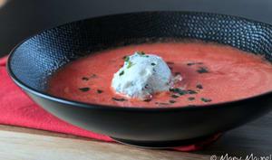 Soupe glacée de pastèque à la ricotta