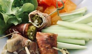Billes de mozzarella aux éclats de pistache et jambon sec