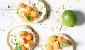 Tartelettes melon et yaourt brassé aux fruits jaunes