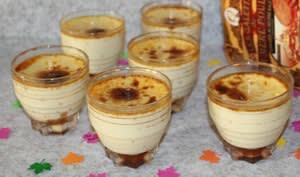 Crème aux œufs sur un lit de crème de caramel au beurre salé