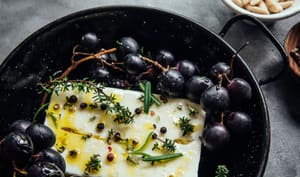 Feta rôtie au raisin & miel