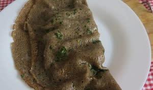 Crêpe ou galette de sarrasin aux fruits de mer et beurre aillé persillé