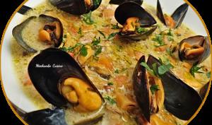 Soupe crémeuse aux moules et aux épices