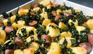 Saucisse et pommes de terre rôties