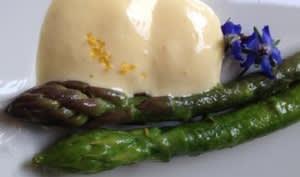 Méli-mélo d'asperges, espuma aux citrons Meyer