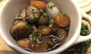 Ragoût de champignons au vin rouge