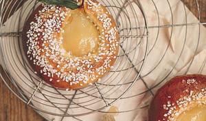 Brioche crème d'amande et poires pochées