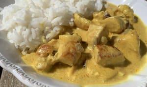 Poulet au curry, lait de coco curcuma