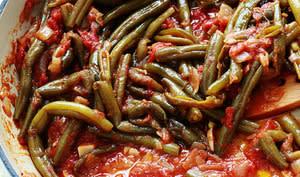 Haricots verts braisés à la sauce tomate