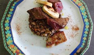 Magret de canard mariné, poêlée de cèpes et foie gras