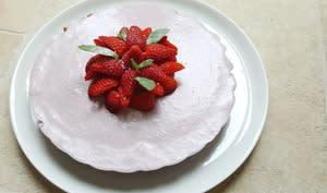 Tarte crémeuse panna cotta fraises coco et confit de fraises