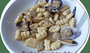 Gnocchis à la farine de pois chiches, sauce aux palourdes