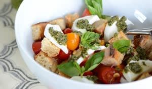 Panzanella tomate, mozzarella et basilic