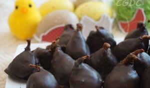 Mini figues sèches farcies aux noix et enrobées de chocolat