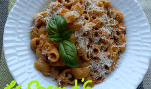 Lumaconi à la crème de courgettes et tomates