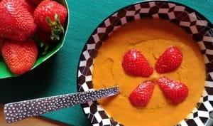 Gazpacho express de tomates et fraises