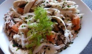 Salade tiède de raie au riz sauvage pamplemousse et champignons de Paris