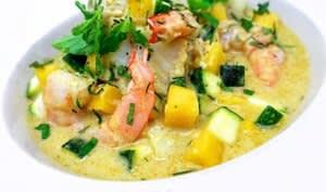 Curry de poisson jaune thaïlandais