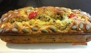 Cake feta, tomates, tapenade et graines