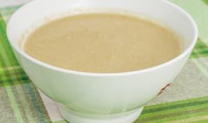 Soupe aux cosses de petits pois et beurre de cacahuètes