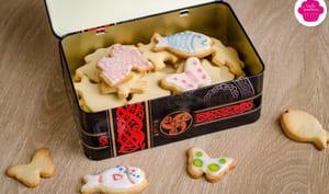 Biscuits aux amandes décorés à la glace royale
