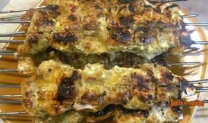 Brochettes de poulet mariné au yaourt et épices