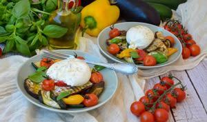 Salade de légumes grillés et burrata