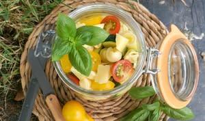 Salade de pâtes aux légumes d'été et au fromage