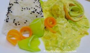 Roulades d'églefin au curcuma, gingembre, crème de coco et aux petits légumes
