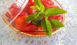 Salade de fraises à l'eau de fleur d'oranger