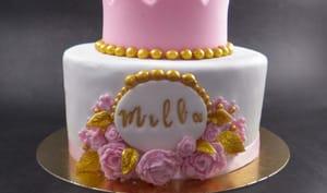 Un gâteau et des cupcakes pour une baby shower