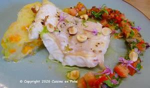 Filet de loup rôti, sauce chien à la noisette, écrasé de légumes à l'huile d'olive