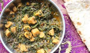 Curry de gnocchi de pois de chiche aux épinards
