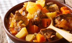Ragout d'agneau aux pommes de terre et carottes