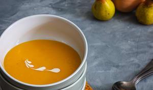 Soupe à la courge butternut et à la poire