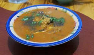 Soupe traditionnelle à l'orge et ailes de poulet