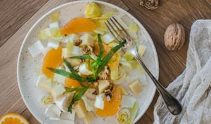 Salade aux endives, oranges et noix