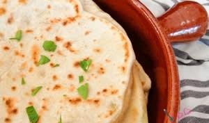 Pains pita farcis à la mozzarella, au comté et au persil