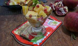 Verrines de salade de fruits orange grenade dattes et melon au miel