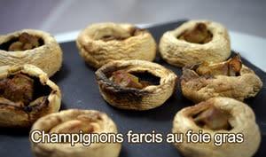 Champignons rôtis au four farcis au foie gras