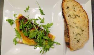 Omelette aux champignons, taleggio et jambon