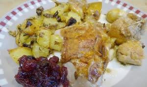 Pintade rôtie, pommes et champignons, pommes de terre sautées à la graisse de canard
