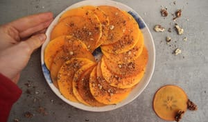Carpaccio de butternut et kaki, dukkah de noix au sumac