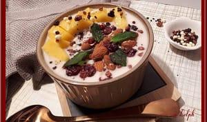 Bowl aux graines de chia, flocons d'avoine et mangue